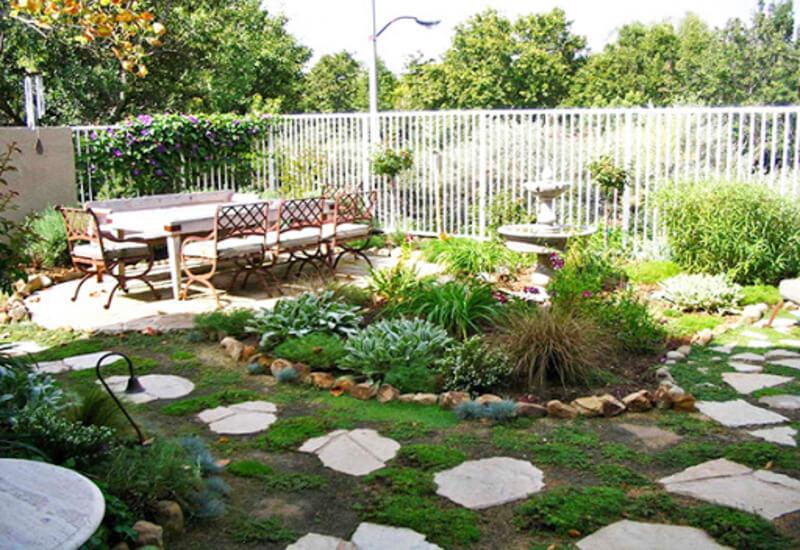 Mẫu tiểu cảnh sân vườn đẹp và đơn giản